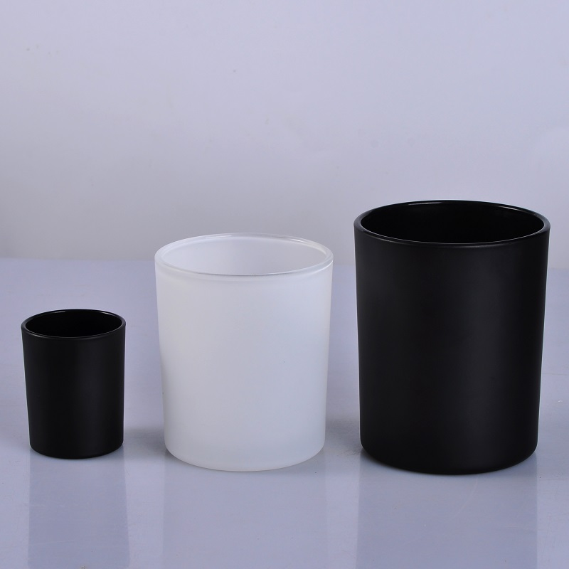 Matte black glass candle jar with wooden lid