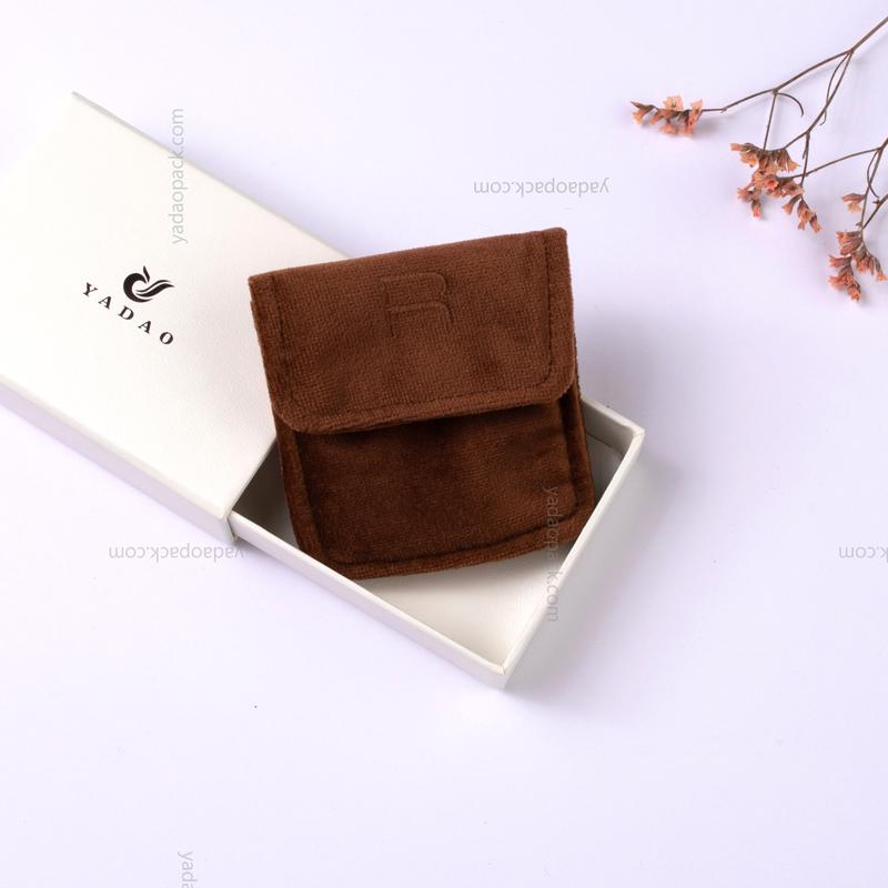 Soft velvet mini pouch with magnet